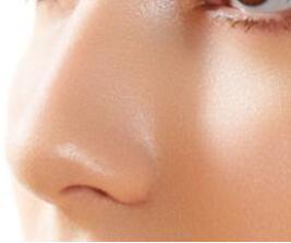 <font color=red>鼻部整形</font>的方法有哪些 沈阳伊美尔做鼻翼缩小术多少钱