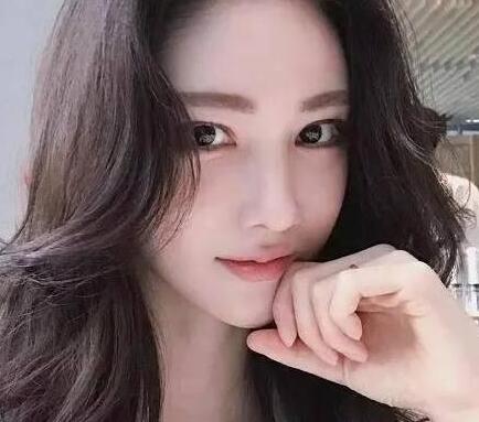 韩国女模特Hyemoo Kang百万巨资整容 像少女时代中的林允儿
