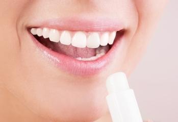 西安百思美口腔医疗整形医院好吗 做陶瓷牙的危害