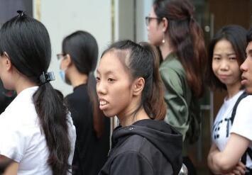 越南龅牙妹Nhu Huyen如何开启逆袭之路的 整容前后判若两人