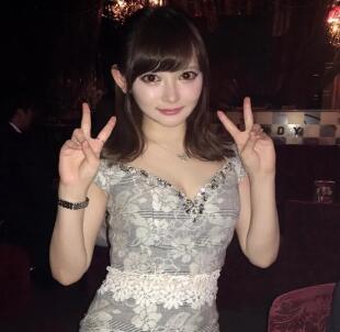 日本女孩17岁豪掷千万整容 留言后感觉也太魔幻了
