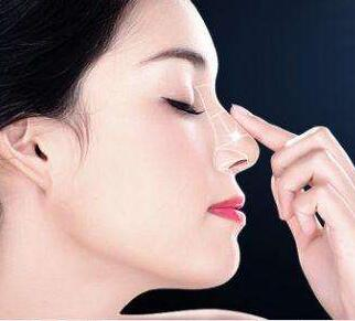 惠州瑞芙臣整形医院做鼻尖手术价格 耳软骨垫鼻尖效果