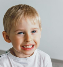 上海英博口腔门诊部宝宝牙齿畸形需要纠正吗