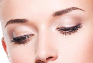 成都恒博医院毛发种植美容整形科种植的眉毛能保持多久