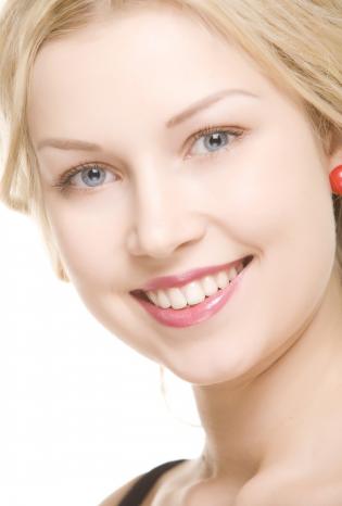 牙齿种植之后我们需要注意些什么呢 种植牙有风险吗
