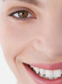 让你露出自信的笑容 成都思迈口腔诊所牙齿矫正安全吗