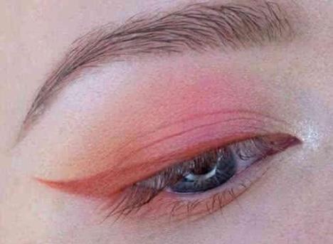 沈阳天使整形医院<font color=red>种植眉毛</font>术前怎样准备 让您眉目传情