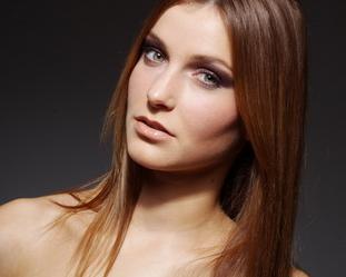 头发如何种植 贵阳雍禾植发整形医院头发种植的过程复杂吗