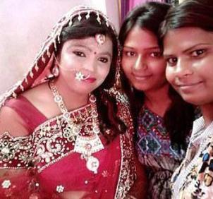 印度女子Kavita Baruni被泼硫酸毁容 做整形修复后步入婚姻殿堂