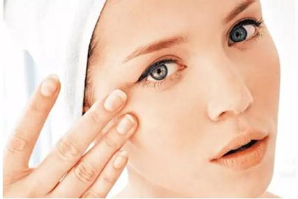 郑州手术治疗眼袋贵吗 去除眼袋让您恢复年轻状态