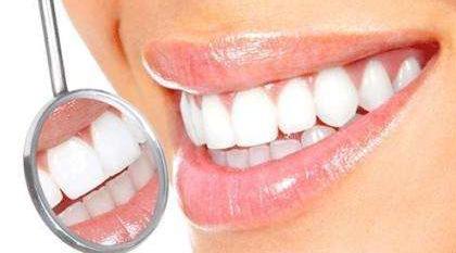 整洁的牙齿更能为您的颜值加分 长春做烤瓷牙多少钱一颗