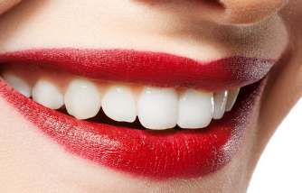 北京爱雅仕口腔诊所种植牙 使你的牙齿整齐又美观