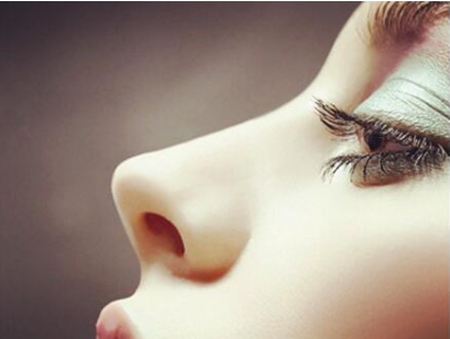 青岛诺美德整形医院硅胶假体隆鼻多少钱 塑造高挺美鼻