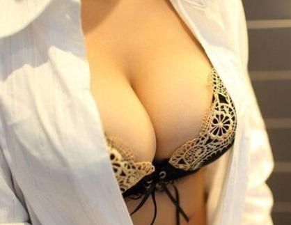 重庆江陵医院整形科假体隆胸美容多少钱 怎样选择假体