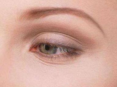 眼部除皱手术价格是多少 郑州华领整形医院激光除皱优势