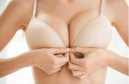 巴中隆胸修复哪里好 假体隆胸失败的症状有哪些