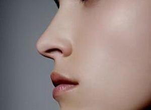 鼻尖整形医院哪里好 耳软骨垫鼻尖术后多久能看到效果