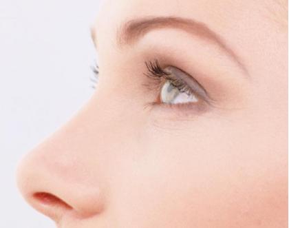 做隆鼻整容需要多少钱 北京贵美汇整形医院假体隆鼻的优势