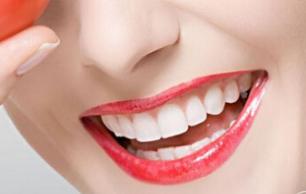 西安莲湖圣贝口腔整形医院种植牙齿价格是多少 会不会很贵