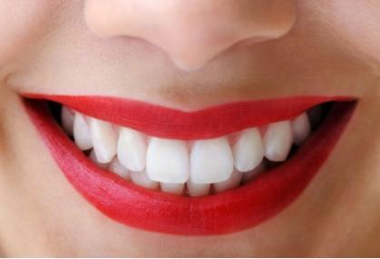 上海麦芽口腔门诊部做牙齿矫正有年龄限制吗 笑容更加强大