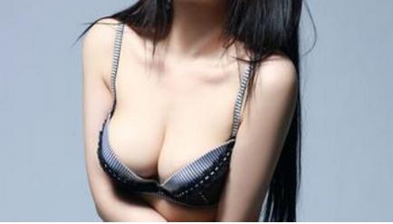 女人胸小怎么办 天津欧菲整形医院做假体隆胸效果好吗