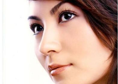 假体隆鼻价格 天津极致整形医院假体隆鼻效果如何 高挺十足