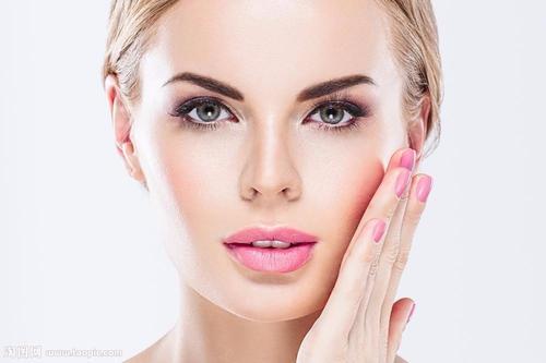 重庆倾心医院光子嫩肤可以解决哪些初皮肤问题 能维持多久