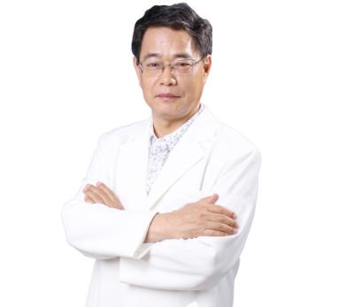 眼部整形专家排名 北京彤美刘专家风卓专注眼部整形三十年