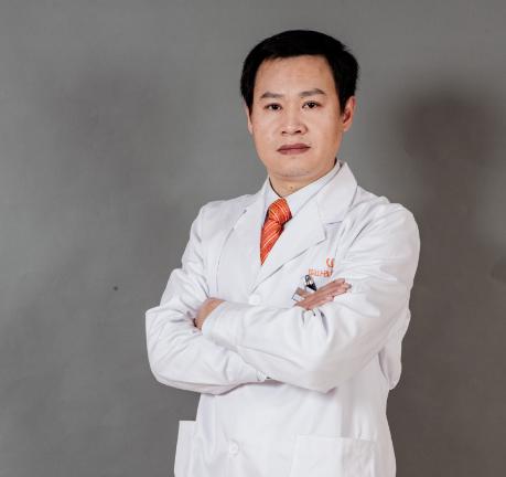 什么是假体隆鼻 杭州华山连天隆鼻专家冷奎仿 塑造明星美鼻