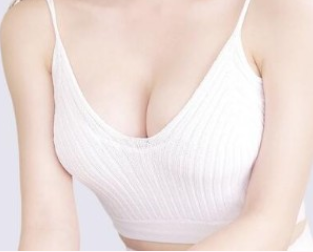 南宁东方整形医院赵波专访:假体隆胸半年后要更换吗