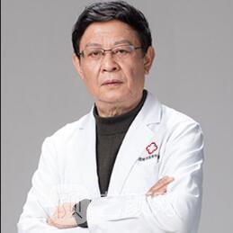 知名隆胸专家排行 成都成美整形医院美胸之父赖明忠