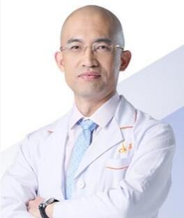 双眼皮修复专家排行 北京东方百合整形专家王世勇口碑