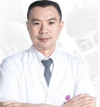 重庆华美整形医院赵敬国自体脂肪丰额头的优势 塑造童颜