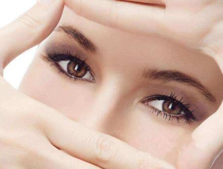 上海第九人民医院顾斌做外切去眼袋效果如何 轻松减龄