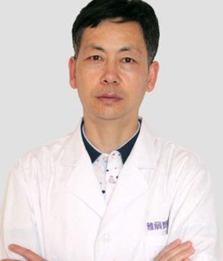 武汉乳房再造哪里做 武汉中翰整形医院陈志朋专家介绍