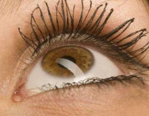 做睫毛种植哪家强 成都植发医院29年毛发移植经验