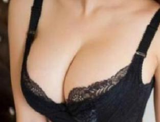 深圳恩吉娜整形医院郑郁生做自体脂肪隆胸术口碑极佳