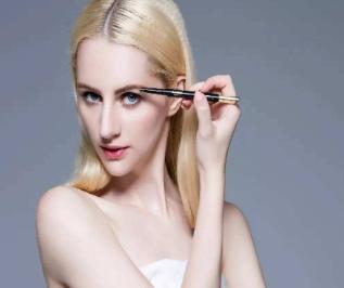 昆明新生植发医院眉毛种植会留疤吗 个性设计眉形