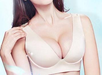 隆胸名医排行 上海九院余力假体隆胸手术前后对比图