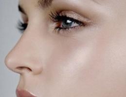 双眼皮手术多久消肿 贵阳美莱整形胡玉霞做双眼皮弧度自然