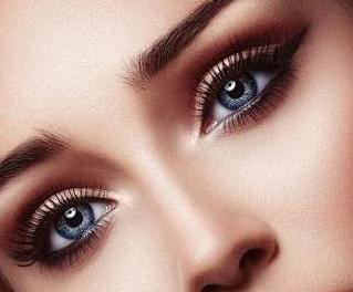 切开双眼皮如何消肿 乌鲁木齐伊丽莎白整形张娟消除肿泡眼