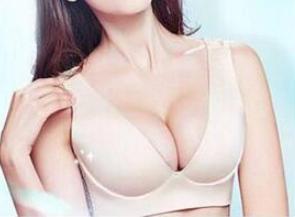 四川成都美莱整形医院自体脂肪隆胸术特色 王嘉勋钻研
