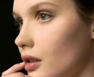 西安美莱整形医院黄凯隆鼻修复手术原则 塑造气质美鼻