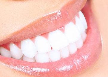 四川悦好整形医院牙齿贴面大概多少钱 向洁解答其存在误区