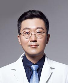 双眼皮手术哪里做 南京友谊医院整形科金东勋专家简介