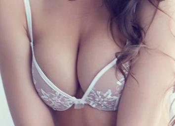 郑州东方整形医院吴振假体丰胸 让乳房更饱满 身材更性感