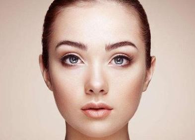 疤痕体质能割双眼皮吗 成都艺星整形医院蔡灵匠心雕刻明眸
