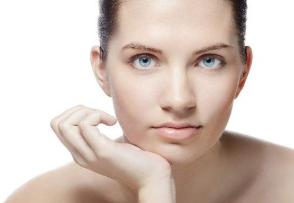 手术祛眼袋哪种方法好 上海华美整形许再荣手术精巧流畅