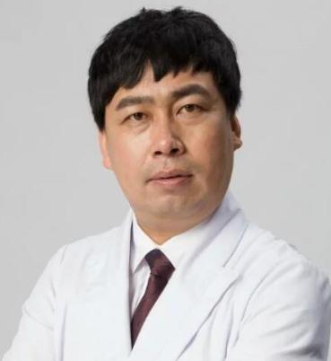巨乳缩小手术怎么做 太原欧美莲整形医院刘跃辉为您解说