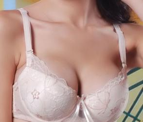 假体隆胸多久恢复 云南华美美莱整形曾昂隆胸效果自然挺拔